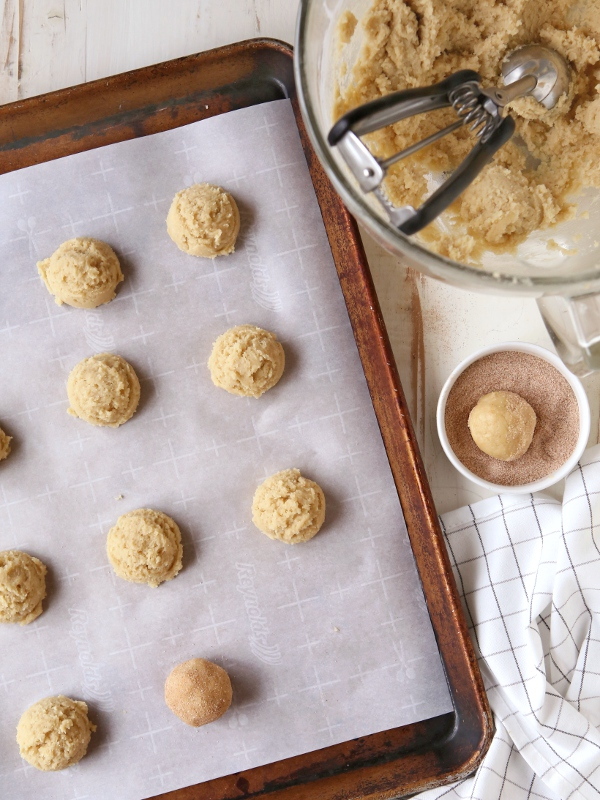 Classic snickerdoodle cookies | completelydelicious.com