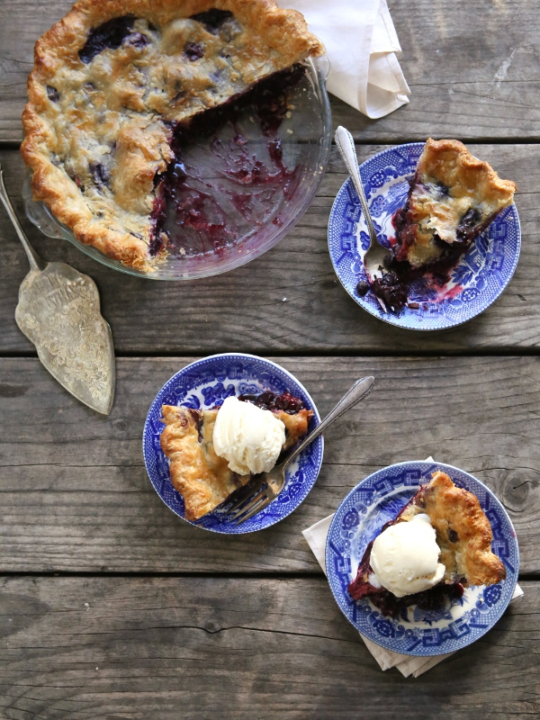 Blueberry and Blackberry Pie from completelydelicioius.com
