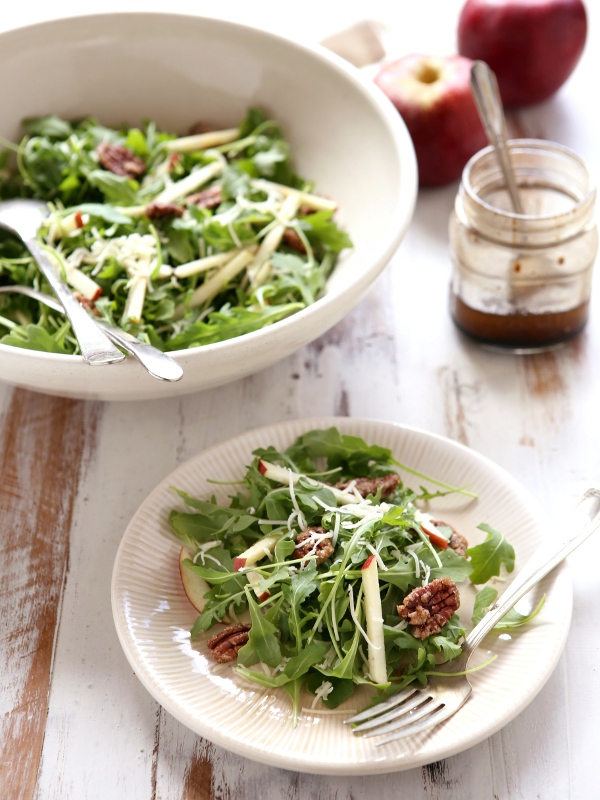 Apple Arugula Salad with White Cheddar and Candied Pecans | completelydelicious.com