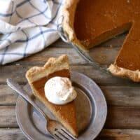 Classic Pumpkin Pie | completelydelicious.com