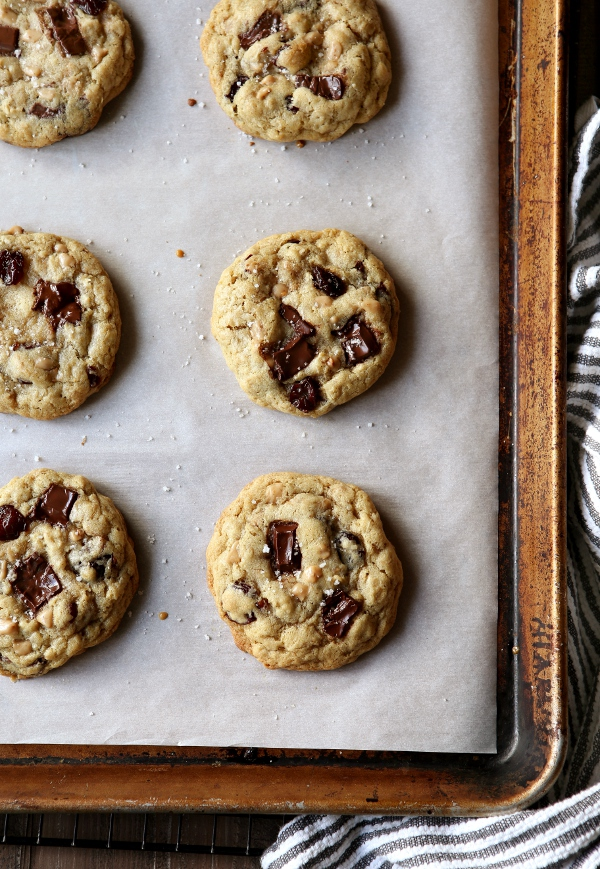 Chocolate Toffee Oatmeal Cookies with Dried Cherries ...