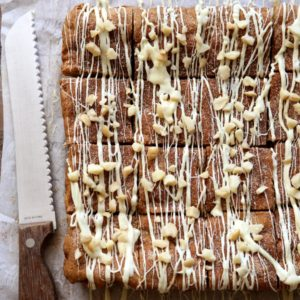 White Chocolate Macadamia Nut Snickerdoodle Bars | completelydelicious.com