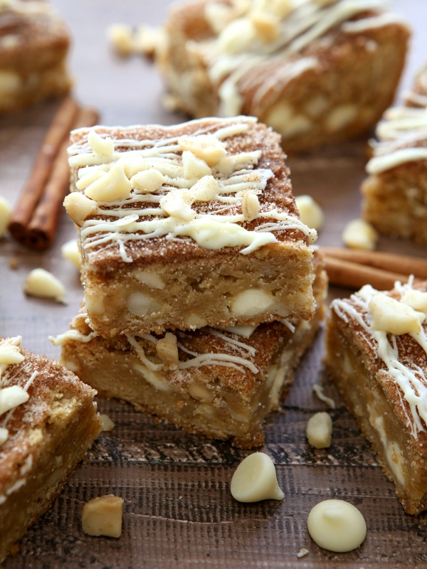 White Chocolate Macadamia Nut Snickerdoodle Bars ...