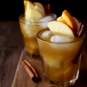 Old-fashioned - Completely Apple Delicious Cocktail Cider
