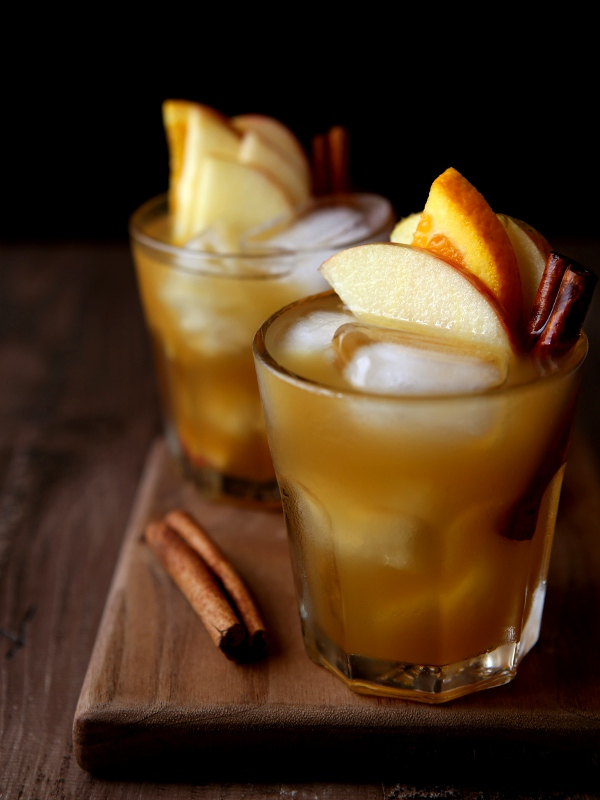 apple cider old fashioned cocktail completely delicious. Black Bedroom Furniture Sets. Home Design Ideas