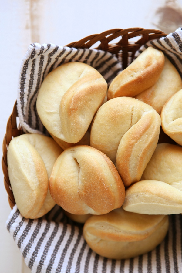 Parker House Rolls | completelydelicious.com