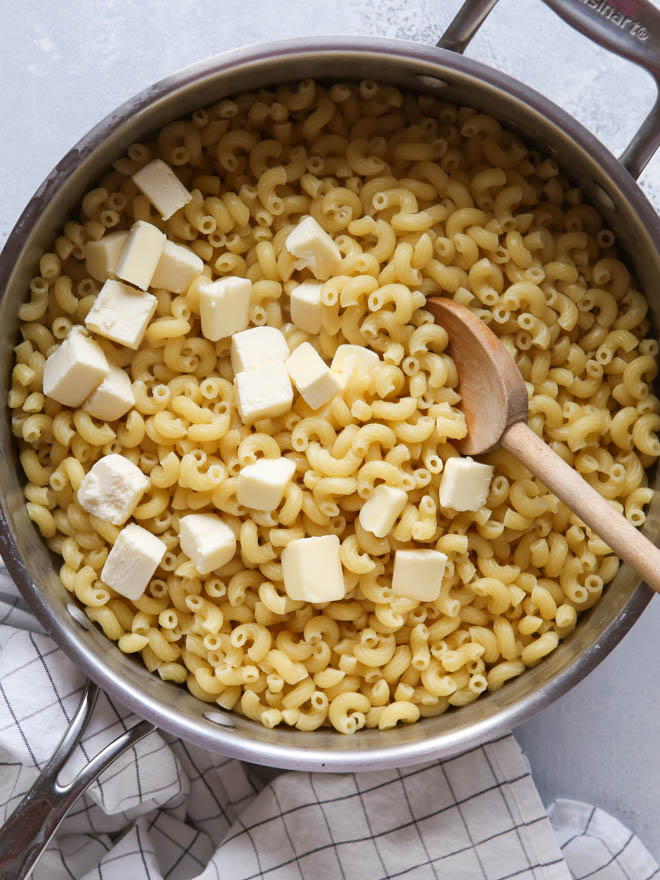 15-minute, one pot macaroni and cheese from completelydelicous.com