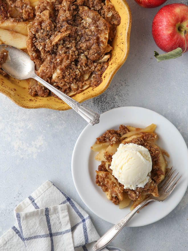 This easy apple crisp calls for just 7 ingredients!
