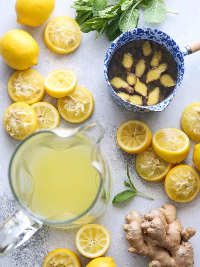 Making ginger lemonade