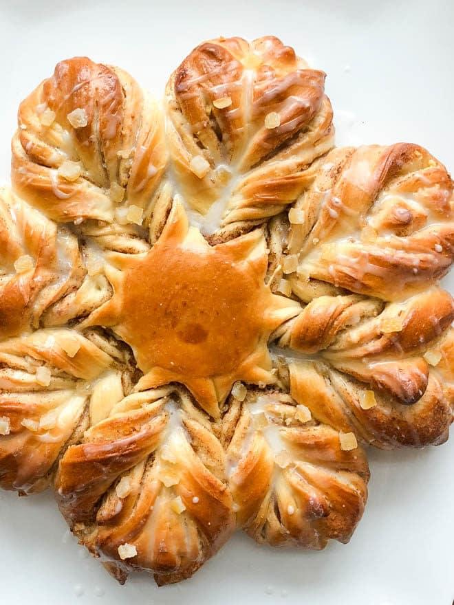 Orange, brown sugar, and cinnamon twist star bread