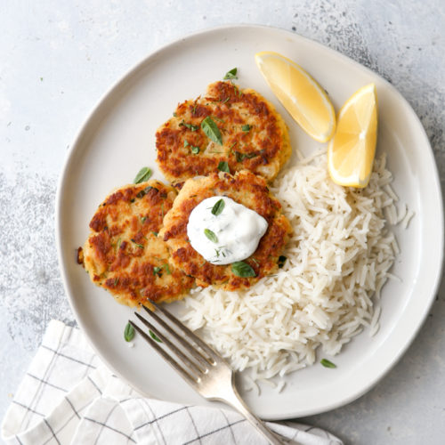 These easy 5-ingredient salmon patties are a great light meal!