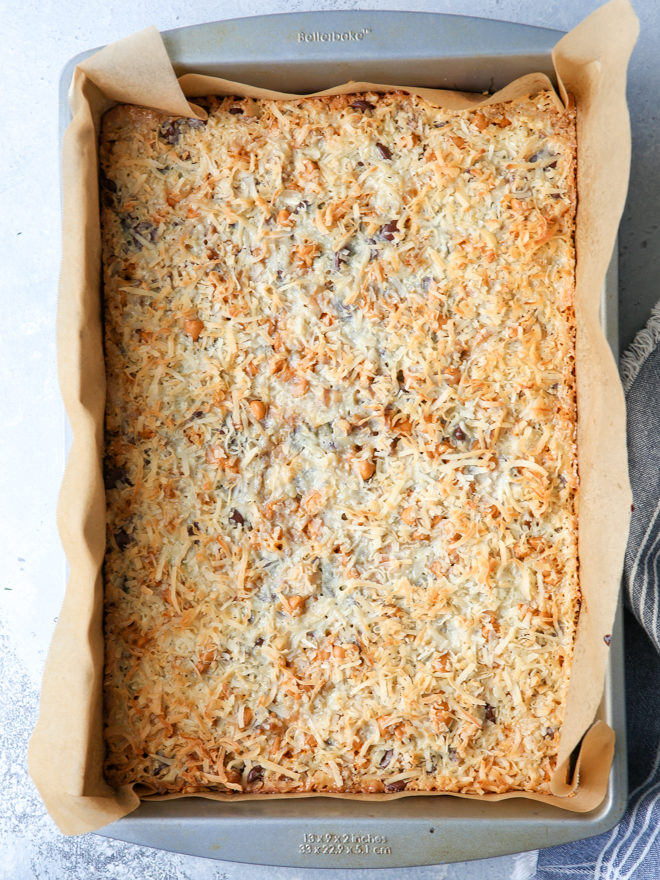 """7 ingredients are all you need to make these """"magical"""" cookie bars!"""