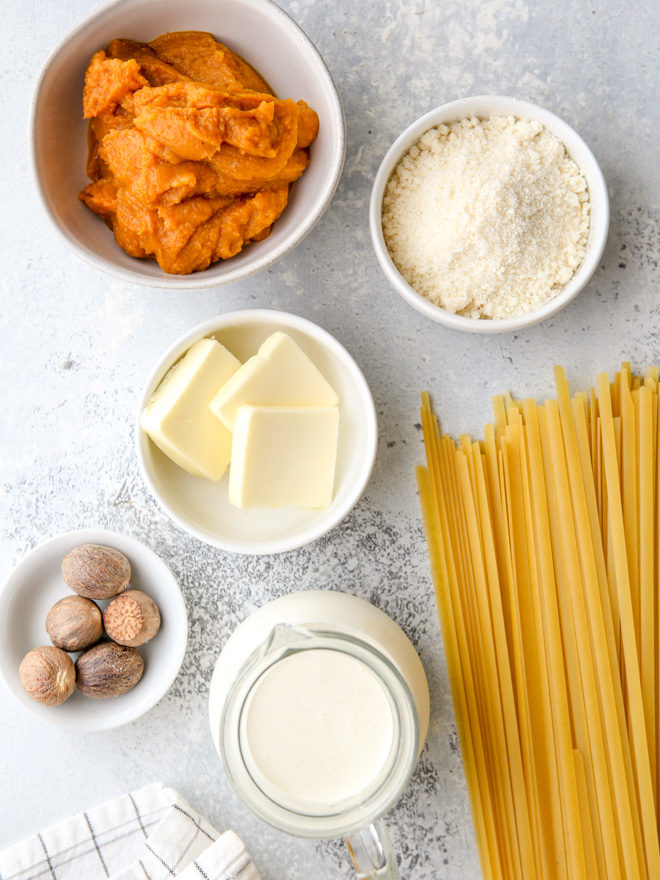 All the ingredients needed to make this rich and creamy pumpkin alfredo pasta